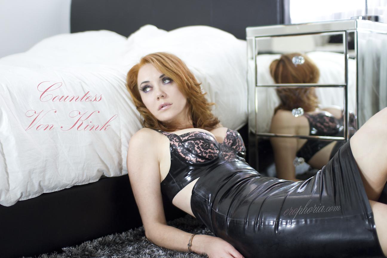 Skirt Femdom 58