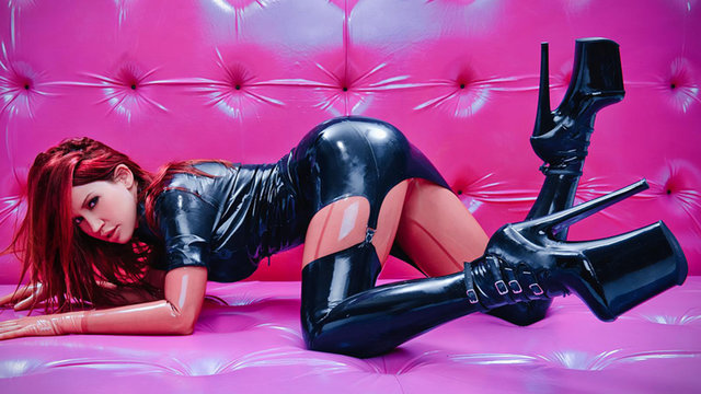 Bianca Beauchamp international latex fetish model icon